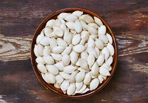 يحمي الرجال من العقم.. 5 فوائد مذهلة للب الأبيض (صور)