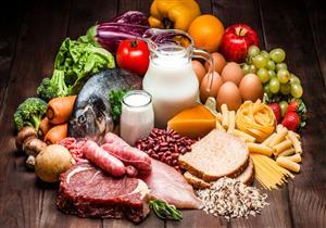 بدون أدوية.. 7 أطعمة ومشروبات تخفض السكر في الدم