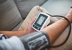 فيتامينات ومعادن تساهم في ضبط ضغط الدم.. منها الكالسيوم