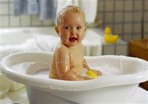 للأمهات.. 5 نصائح لتحميم حديثي الولادة في الشتاء (فيديوجرافيك)