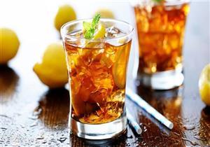 يصل لحصوات الكلى والجفاف.. كيف يؤثر الشاي المثلج على الصحة؟