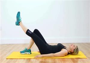 أفضل 6 تمارين لعلاج خشونة الركبة.. يمكن ممارستها في المنزل (صور)