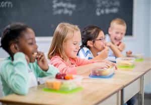 لحماية طفلِك من كورونا.. 9 نصائح يجب مراعاتها عند تحضير الوجبة المدرسية
