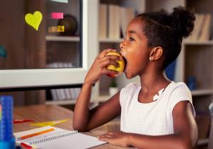 استعدادًا للدراسة.. 5 أطعمة قدميها لطفلك يوميًا لزيادة ذكائه