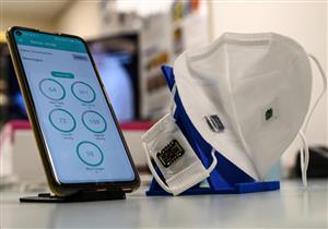 ابتكار كمامة تسمح للأطباء بفحص مرضى كورونا عن بعد (فيديو)