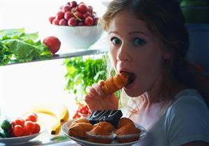 6 أطعمة تزيد وزنك عند تناولها ليلًا.. تعرف عليها (إنفوجرافيك)