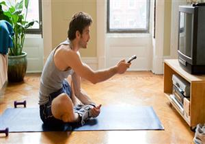 تحمي القلب.. 4 تمارين يمكن ممارستها أثناء مشاهدة التلفزيون (صور)