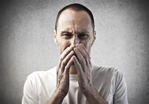طبيبة تحذر من كتم العطس أو السعال.. يسبب مضاعفات خطيرة