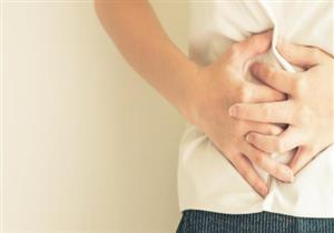 متى يكون ألم البطن علامة على الإصابة بسرطان الأمعاء؟