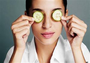 4 مشكلات صحية للعين يعالجها الخيار.. إليك طريقة استخدامه