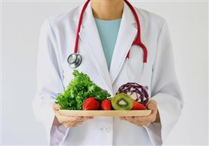 فوائدها عديدة.. 10 أطعمة يحرص الأطباء على تناولها