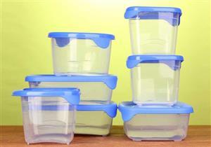 علماء: الأواني البلاستيكية الآمنة تهدد بالسرطان والعقم