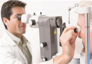 منها السكري.. 6 أمراض تكشفها مشكلات العين بعد سن الأربعين
