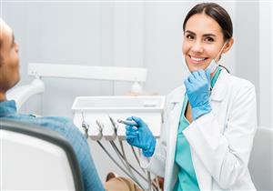 5 أطعمة لا يتناولها أطباء الأسنان.. إليك السبب (صور)