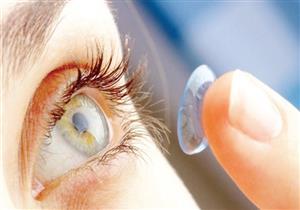 طبيب عيون: العدسات اللاصقة ممنوعة عند الإصابة بنزلات البرد