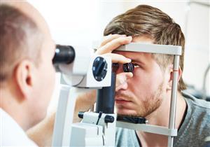هل عملية الليزك تناسب جميع ضعاف النظر؟.. طبيب عيون يوضح