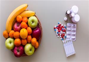 لا تتناولها معها.. أطعمة ومشروبات تقلل من فعالية الأدوية (فيديوجرافيك)