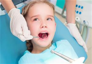 يهدد طفلِك بمضاعفات خطيرة.. إليكِ كل ما تريدين معرفته عن التواء الأسنان
