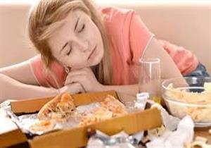 خبراء تغذية يحذرون من تناول هذه الأطعمة بعد الثامنة مساءً.. منها البروكلي