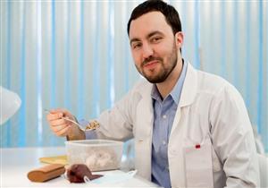 للأطباء المعالجين لكورونا.. أطعمة يجب تناولها يوميًا