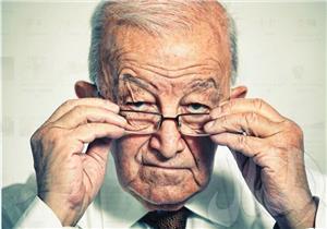 حقنة مجهرية واحدة.. تكنولوجيا جديدة لإعادة البصر لكبار السن
