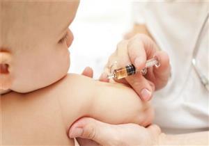 """""""آمن"""".. طبيبة تطمئن الأمهات: تطعيم شلل الأطفال ليس له آثار جانبية"""
