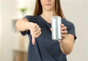 أضرارها خطيرة.. ماذا يحدث في جسمك عند شرب المياه الغازية يوميًا؟