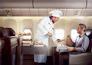 للمسافرين.. أطعمة ومشروبات ابتعد عن تناولها على متن الطائرة