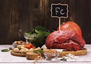 احذر الإفراط فيها.. 4 أطعمة تمنع جسمك من امتصاص الحديد