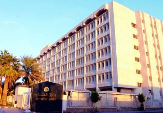 مصدر قضائي: حسن بدراوي من أقوى مرشحين لتولي وزارة العدل