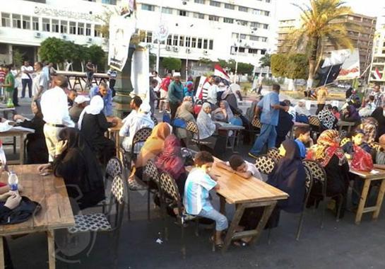 إفطار جماعي لنشطاء بورسعيد في ذكري العاشر من رمضان