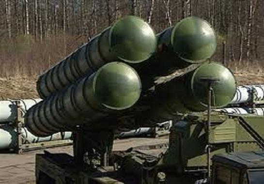 """روسيا تسلم منظومات دفاع جوي """"بانتسير إس 1"""" إلى صربيا"""