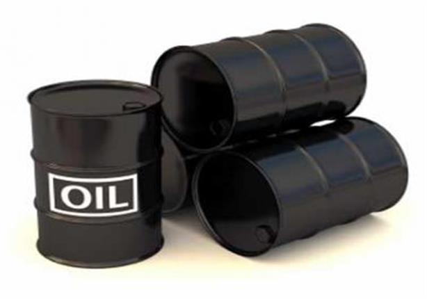 انخفاض سعر النفط الى ادنى مستوى منذ عامين