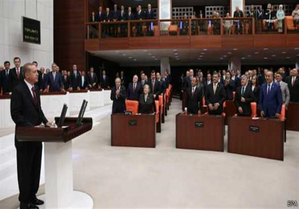 البرلمان التركي يسمح بدخول الجيش للعراق وسوريا وايران تحذر من مغبة القرار