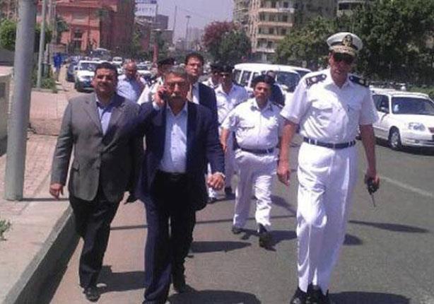 مدير أمن القاهرة يتفقد الحالة الأمنية بوسط البلد وسط حراسة مشددة