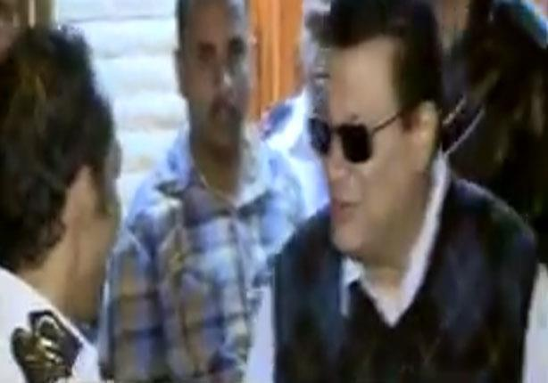 بالفيديو.. لحظة خروج ياسر علي بعد إخلاء سبيله