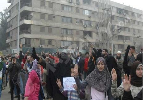 أنصار الإخوان والسيسي يتظاهرون في الذكري الـ68 للطالب العالمي - (تقرير)
