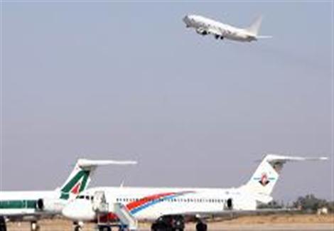 توقف الملاحة الجوية فوق طرابلس وإغلاق مطار معيتيقة بسبب الاشتباكات