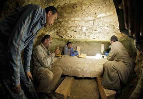بالصور- بعثة تشيكية تعثر على مومياء كاتم أسرار الملك ''نفر إير كارع''