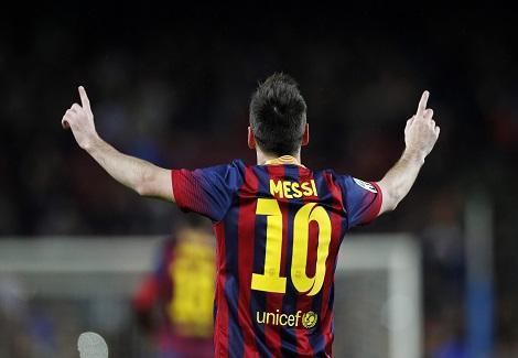 بالفيديو.. ركلة جزاء ميسي تنقذ برشلونة أمام إسبانيول ليتصدر الدوري الإسباني مؤقتًا