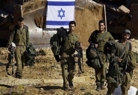 الإعلام العبري: ضابط إسرائيلي يقتل بالخطأ أحد جنوده بالرصاص في الخليل