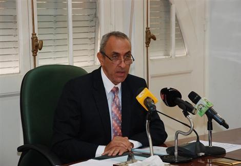 وزير الزراعة: لا يمكن اسقاط ديون الفلاحين لدى بنك التنمية