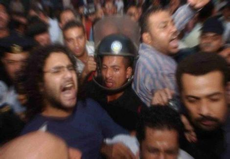وائل عباس يكتب: ذكريات تنظيم 30 فبراير السري