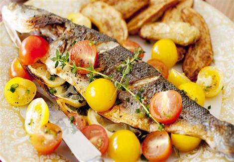 سمك بحشو البصل والثوم
