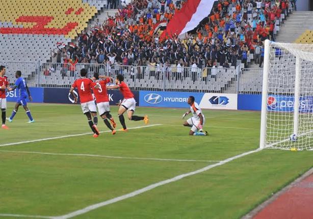 الأرصاد لاتحاد الكرة: غطوا ملعب برج العرب أو إلعبوا في الصعيد