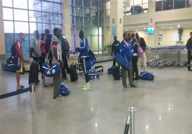 وصول بعثة تشاد لمطار برج العرب قبل دقائق من انطلاق المباراة