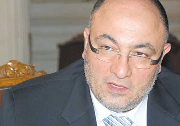 الشيخ خالد الجندي لـ الدكتور أحمد كريمة: حذائك فوق رأسي