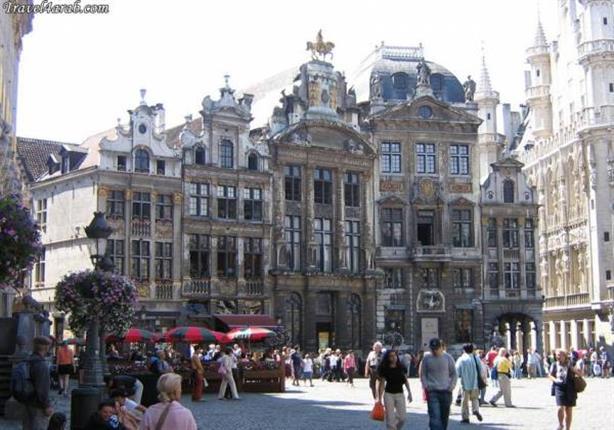 إعادة فتح المدارس ومحطات المترو في العاصمة البلجيكية