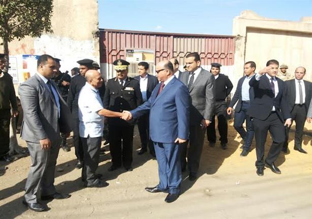 بالصور.. مدير أمن القاهرة يتأكد من انتظام الخدمات الأمنية باللجان الانتخابية