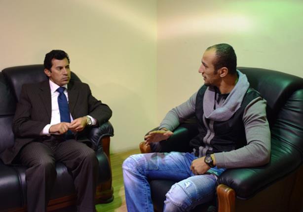 بالصور- مساعد وزير الرياضة يلتقي بكرم جابر ودرويش